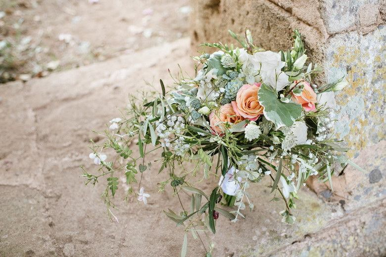 simply-perfect-boho-chic-inspired-beach-wedding-in-majorca-mallorca-boutique-weddings-2018-7