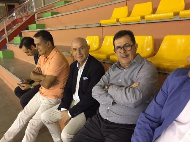 101017 Serra-Ferrer-en-el-palco-del-Betis-Palma-Futsal-2