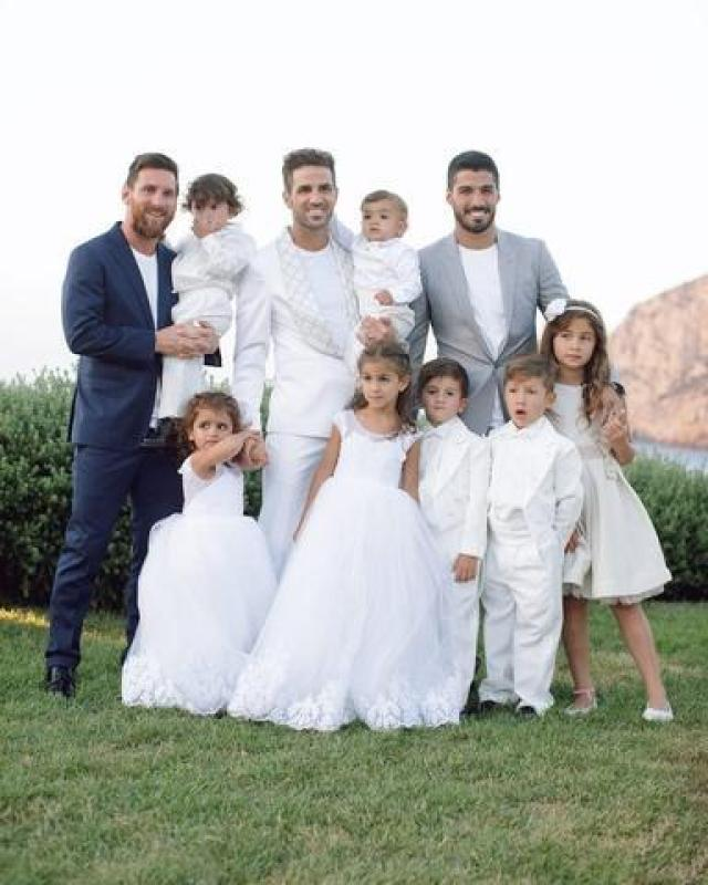 El novio con Messi y Luis Suárez con sus hijos