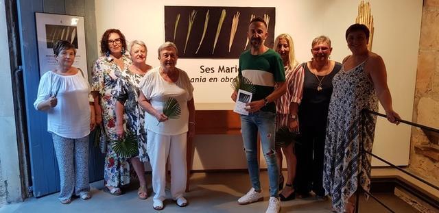 `Ses Maries´en la entrada a la exposición (Foto: AJ Capdepera)