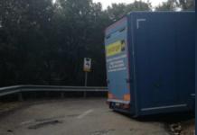 El camión de gran tonelaje ha quedado atascado en el kilómetro 840 de la carretera Bunyola-Orient (Foto: Carreteres)