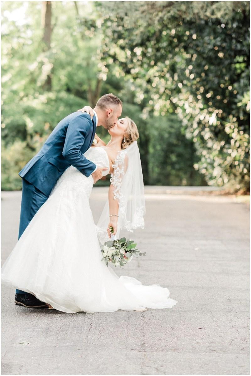 Bride and Groom photos dip