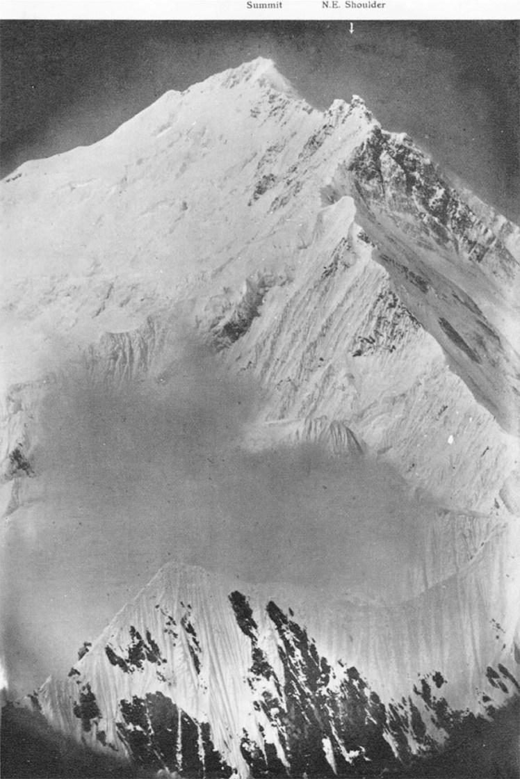 Everest_north-east_arete,_1921