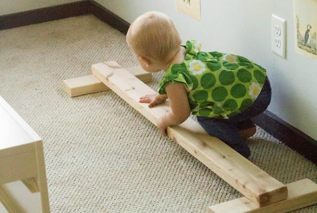 Pikler, montessori, decoracion infantil, maternidad consciente, barra de equilibrio