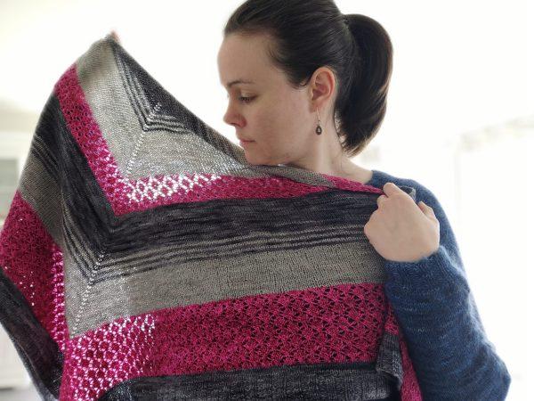 Asterales - Châle triangulaire au tricot - Maloraé Designs