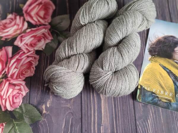 Hedera (Socks) , chaussettes délicates en dentelle au tricot