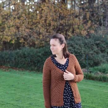 Ma tenue favorite de l'automne- Tenue handmaid - Robe Raven - Gilet Belladonna