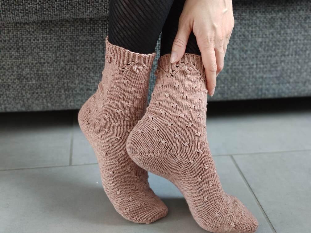 Malva socks - Chaussettes tricotées - Maloraé Designs