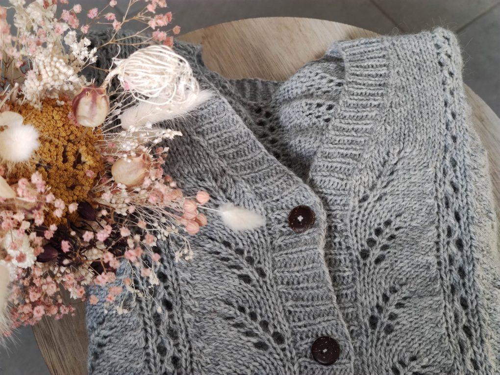 Fougère cardigan - Modèle au tricot pour femme - Maloraé Designs