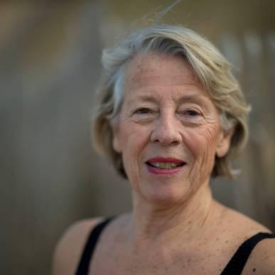 ANNE La Baigneuse