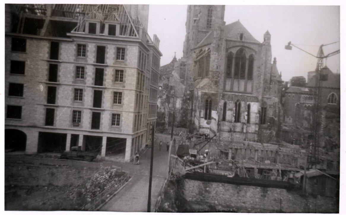 La Grand Rue, entre ruines et reconstruction AMSM 2Fi6-498