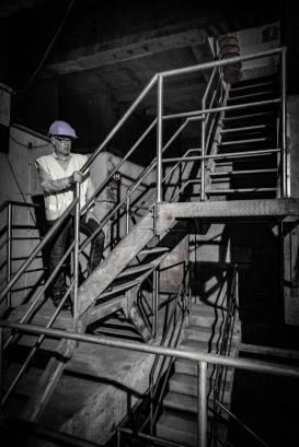 A la station de Charcot, les escaliers sont raides