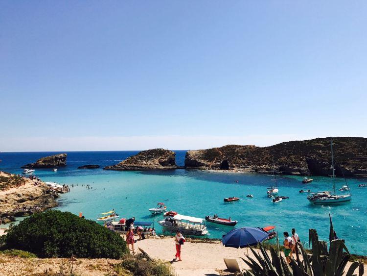 マルタの透き通った海