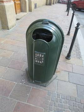 クラクフ旧市街のゴミ箱
