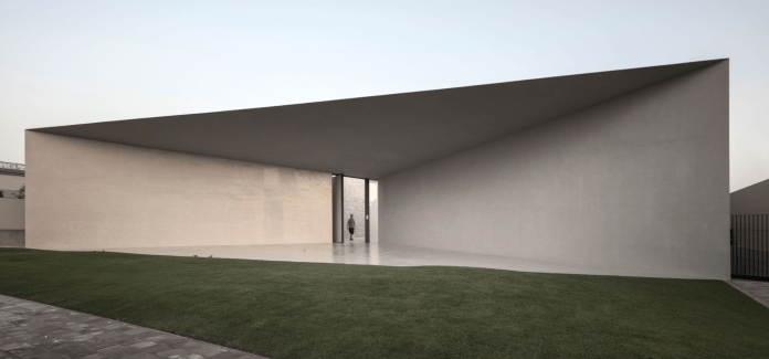 The project of Chris Briffa Architects, the awardee of President's Award for Best Overall Project for Reef Guest House, Bahrain. (source: Kamra tal-Periti)