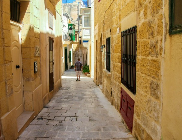 Walking around and explore the narrow alleys of Victoria is an exciting and interesting experience.