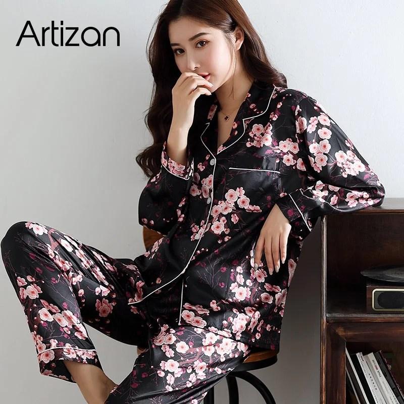 Pijama de Seda Cetim Feminino