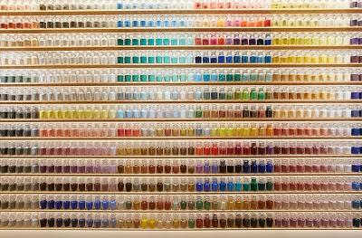Tysiące pigmentów - laboratorium i zaopatrzenie po japońsku