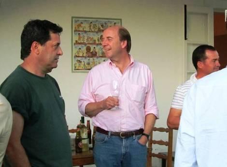 Johnny Symington flanked by António and Sr Arlindo, the caseiro at Malvedos