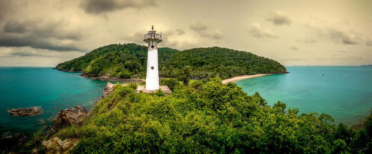 View of the Koh Lanta lighthouse with the sea on both sides