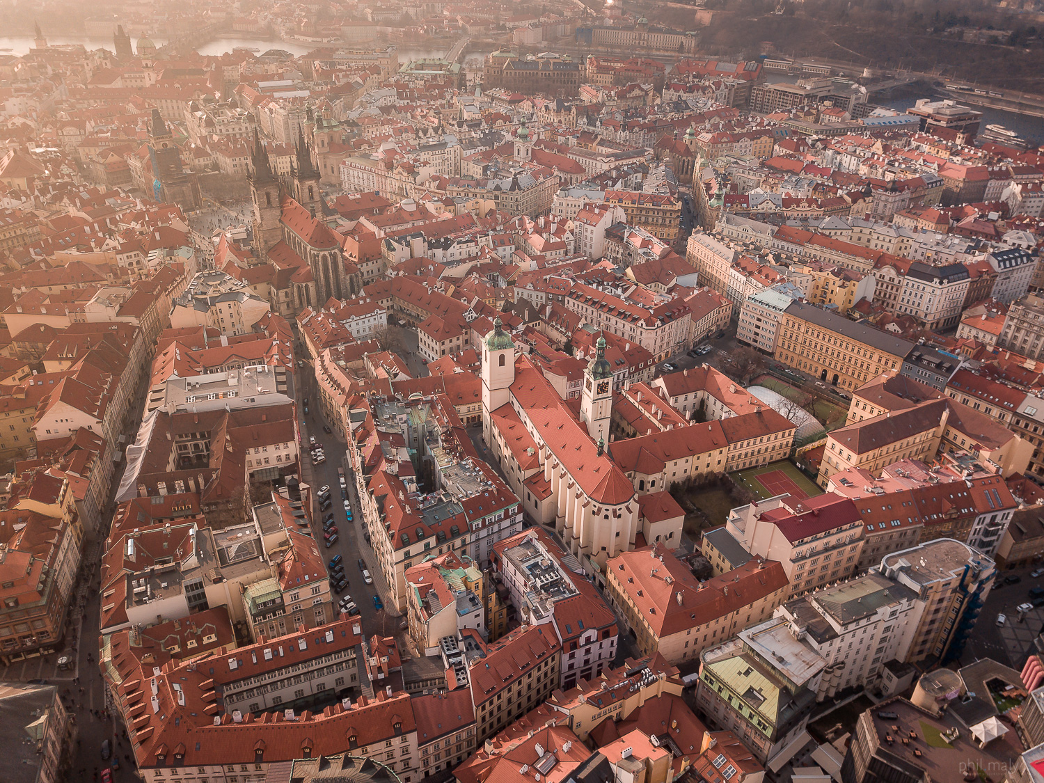 Drone shot of the Prag old town with its many rooftops