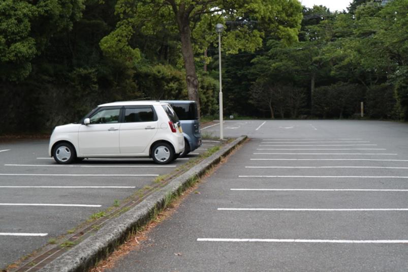 熱海市姫の沢公園のさざんか駐車場