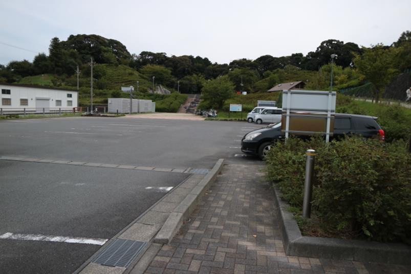 秋葉山公園の駐車場