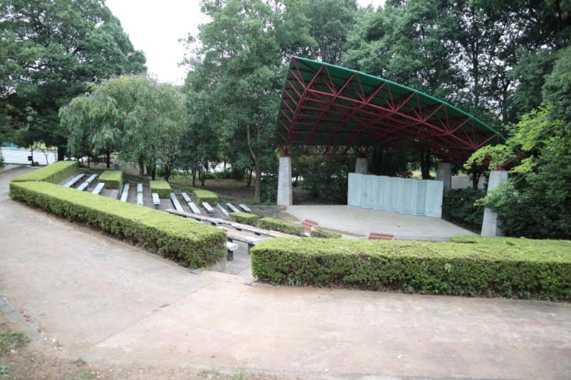 韮崎中央公園野外音楽堂