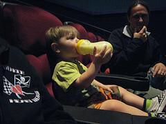 赤ちゃん連れ映画館
