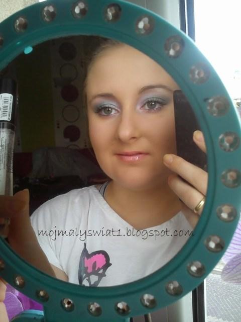 makijaż z rożem i miętą