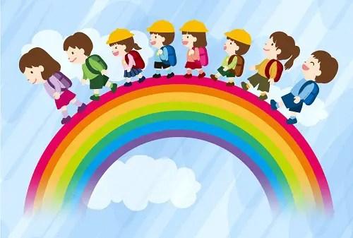 虹を渡る小学生の子ども達
