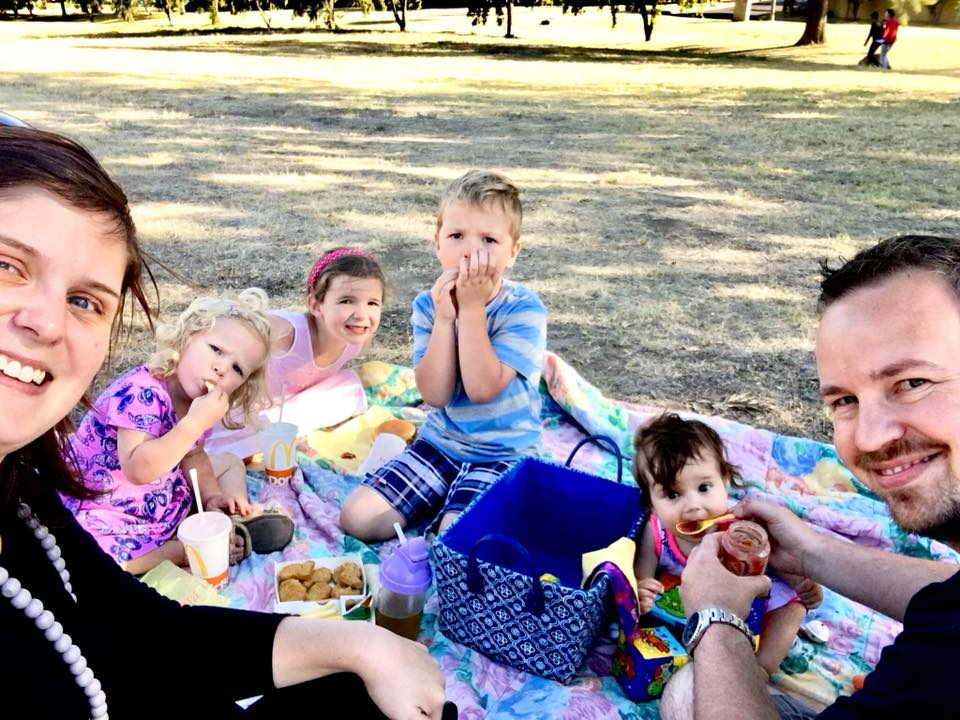 Family picnic date