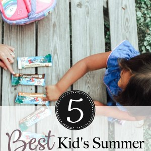 In spirit of creating fun summer activities for my kids this season, we decided to throw together our best kid's summer picnic essentials. All of these include our favorite summer activities and items for kids that will make their summer a fun one! | www.mamabearbliss.com