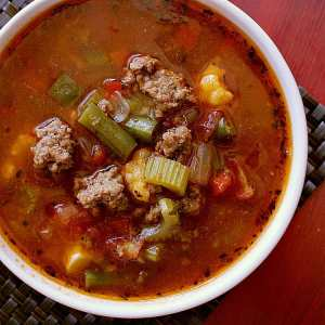 Low Carb Hamburger Soup. You won't miss the carbs in this delicious Low Carb Hamburger Soup. Loaded with cauliflower and tomatoes, this hot bowl of yumminess will be the guilt free delight of your day.