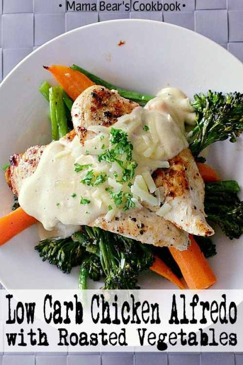 Cheesy alfredo paired with juicy, flavourful chicken on a bed of garlic roasted vegetables, this Low Carb Alfredo Chicken is a quick healthy meal to die for that's perfect for any day of the week. #alfredo #chicken #lowcarb #keto #mamabearscookbook