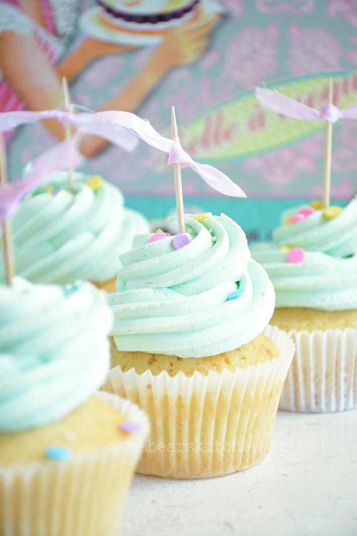 vanilla cupcake13