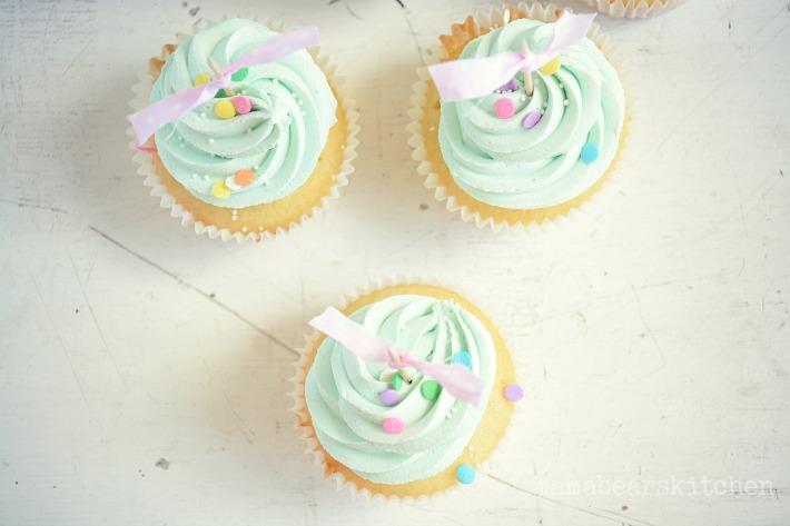 vanilla cupcake16