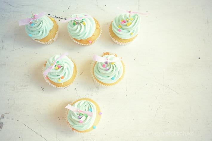 vanilla cupcakes19