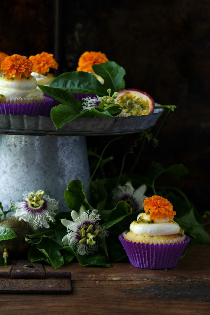 RECIPE || Passionfruit & white chocolate cupcakes