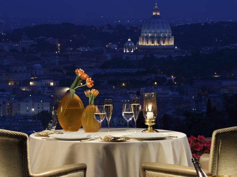 25 Restaurants Around The World With Spectacular Views