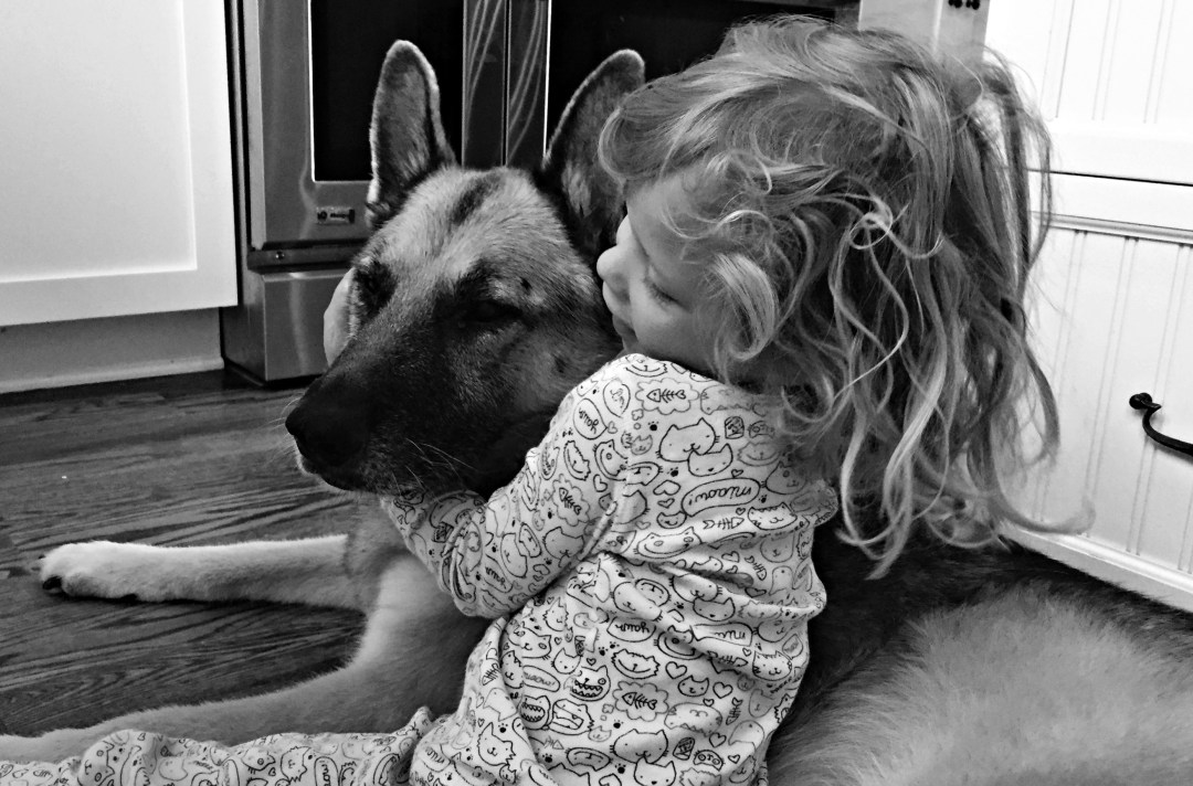 Tiny Hugs in black and white - Bella