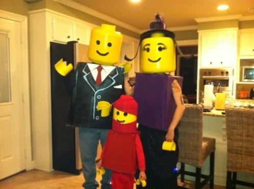novogodnie-detskie-kostumi-lego1