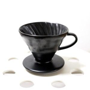 Чёрная матовая керамическая воронка для заваривания кофе Hario V60