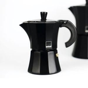 Мока Gnali and Zani Гейзерная кофеварка на 3 чашки. Чёрная