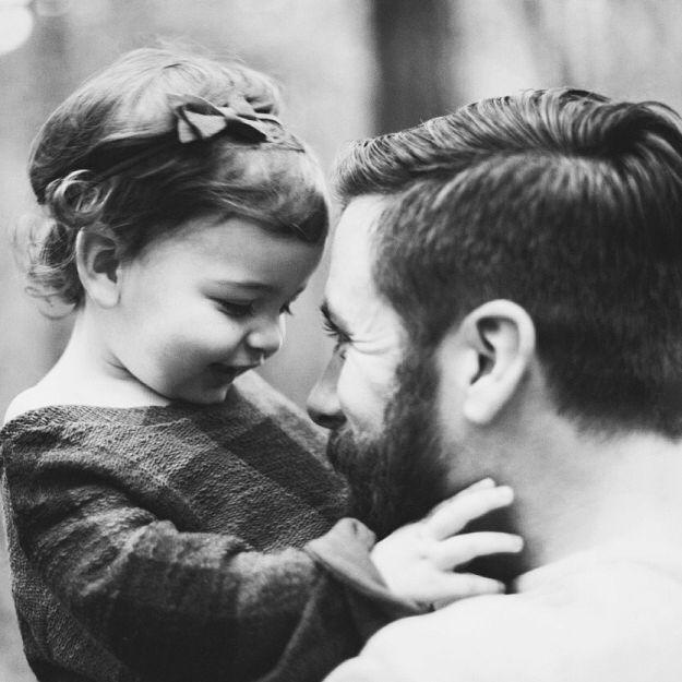 Dragă tată, mă voi naște fată. Crează-mi o lume în care faptul că sunt fată nu reprezintă cel mai mare pericol din viața mea