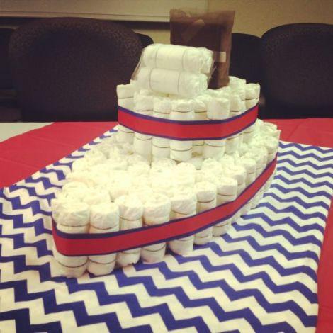 Super original: navio de bolo de fraldas!