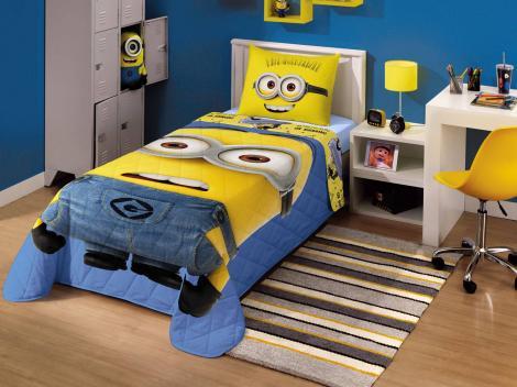 Personagens invadem o quarto das crianças