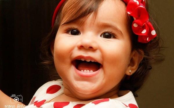menina sorrinho