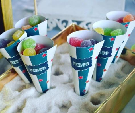 Festa infantil no tema Circo: cones com guloseimas