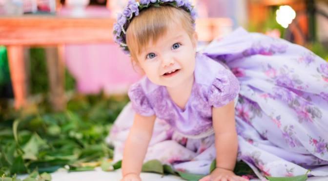 Mural de fotos de bebês e crianças do blog Mamãe Prática